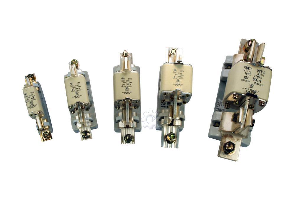legrand熔芯16a 500v是10*38圆筒帽型am熔体的熔断器;作为替换产品